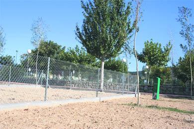 El Ayuntamiento de Alpedrete crea dos parques para perros