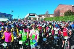 Imagen ce la multitudinaria salida del Rally / CEDIDA