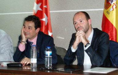 A la izquierda, Juan Antonio Muñoz y Carlos Rodríguez, durante una Asamblea
