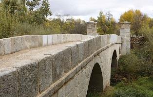Finalizan las obras de restauración del puente junto a Monesterio,entre San Lorenzo y El Escorial