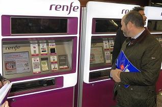 El abono transporte de la Comunidad de Madrid ya se puede recargar en las máquinas de Cercanías