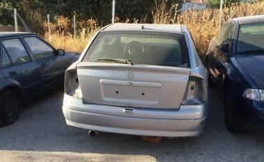 Retirados de las calles de Alpedrete trece vehículos abandonados