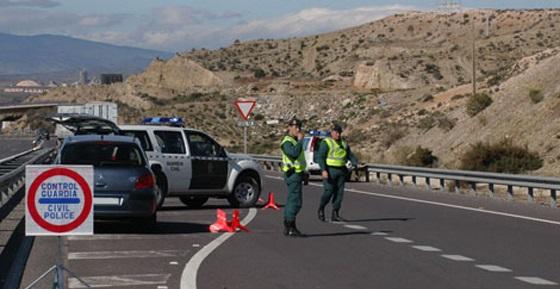 Dos detenidos y dos fugados tras darse a la fuga en un control policial de Torrelodones