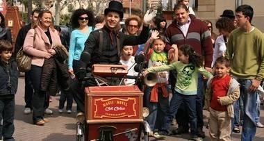 Unos 40 establecimientos de Guadarrama participan en la campaña 'Comercios Mágicos'
