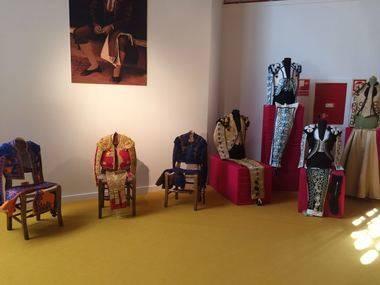 Valdemorillo presenta una insólita exposición sobre pasado, presente y futuro del 'vestido de luces'
