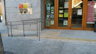 C's de Torrelodones logra la accesibilidad a los edificios públicos eliminando las barreras