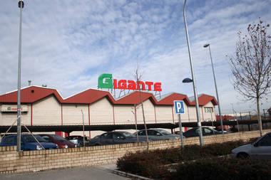 'UVESCO' es la candidata a adjudicarse la cadena de supermercados Gigante
