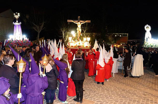 La escenificación de La Pasión y la procesión del Domingo de Ramos abrieron la Semana Santa en Cercedilla