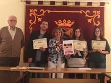 Collado Mediano entrega los premios a los diseñaores del logo 'Miaccum'