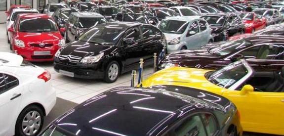 Vendedores de coches de segunda mano estafan 400.000 euros a 29 personas en La Rozas