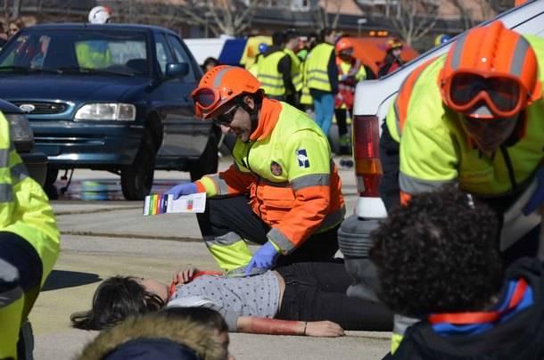 Las Rozas conciencia sobre la seguridad vial con un simulacro de accidente