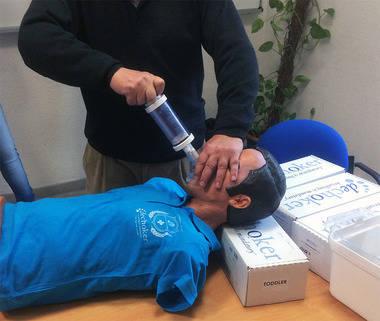 El Ayuntamiento de Alpedrete adquiere ocho dispositivos de primeros auxilios contra la asfixia.