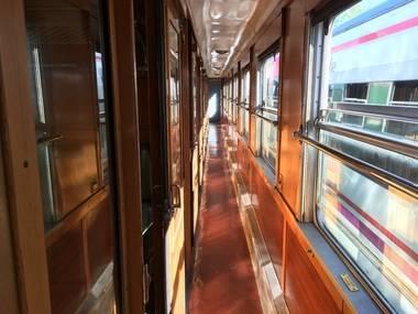 El Tren de Felipe II, un convoy de los años '50, comienza su andadura con una propuesta que combina turismo histórico y ocio