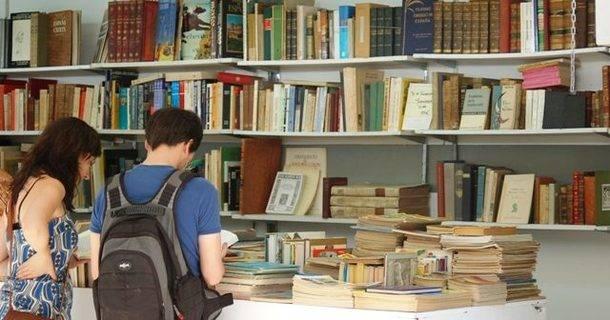 La feria del libro antiguo y de ocasión cumple 25 años en San Lorenzo de El Escorial