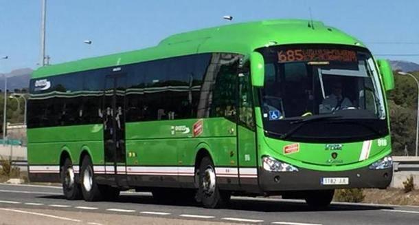 Entran en funcionamiento las paradas de autobús de la calle Alfonso Senra de Guadarrama