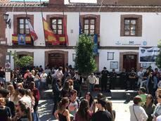 Vecinos de San Agustín de Guadalix piden 'justicia' por el apuñalamiento de un joven y critican al alcalde