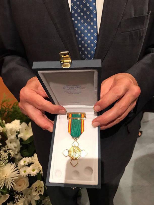Medalla al Mérito Policial con distintivo blanco al Ayuntamiento de El Escorial