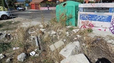 La inacción del PP de Collado Villalba provoca acumulación de vertidos y basuras en terrenos del Parque Regional