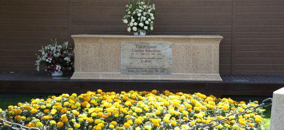 La capilla de Amparo Cuevas vuelve a dividir el gobierno de El Escorial