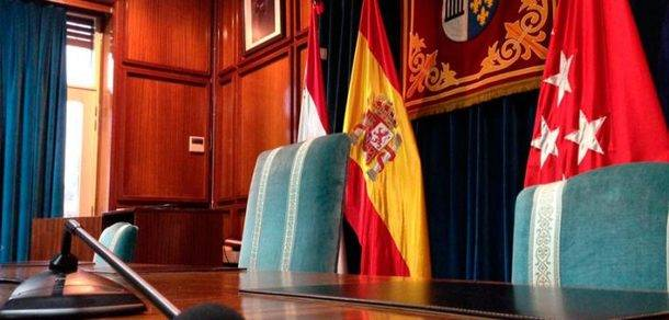 El Pleno de San Lorenzo de El Escorial insta a los trabajadores e IRIBUS-ALSA a que pongan fin a la huelga