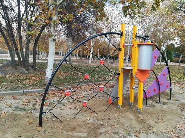 Inversión en mobiliario en parques infantiles en El Escorial por 125.000€