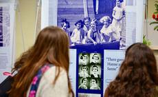 Las Rozas exhibe una muestra de fotografías inéditas sobre Ana Frank que han visitado 12 millones de personas en 70 países