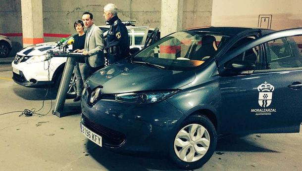 Moralzarzal añade dos nuevos vehículos a su flota municipal, uno de ellos eléctrico