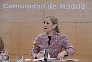 Cristina Cifuentes hace una llamada a la 'cautela' tras los intentos de secuestro en colegios de la región