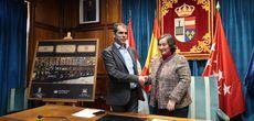 Firmado el contrato de concesión del 'Tren Turístico Diligencia de El Escorial' con la empresa R.J. Autocares