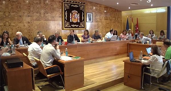 Piden a la regidora y concejales de Torrelodones demostrar la validez de los títulos de sus 'curriculum vitae'