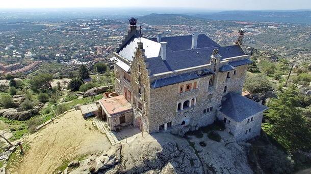 Polémica sobre el futuro del Palacio del Canto del Pico de Torrelodones