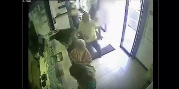 Momento de la agresion a Ángel Camacho (Galapagar)