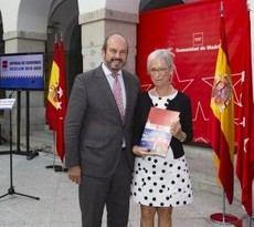 La alcaldesa de Colmenarejo firma la prórroga de las BESCAM