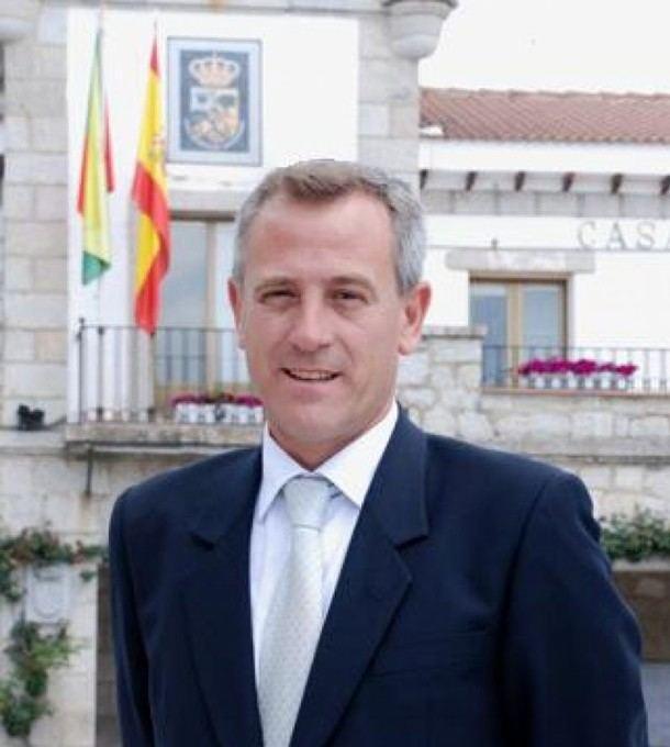 El Alcalde de Hoyo de Manzanares al borde de la expulsión del Partido Popular