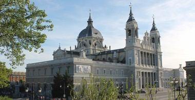 La Comunidad de Madrid no cree que la Almudena sea el sitio más apropiado para trasladar los restos de Franco