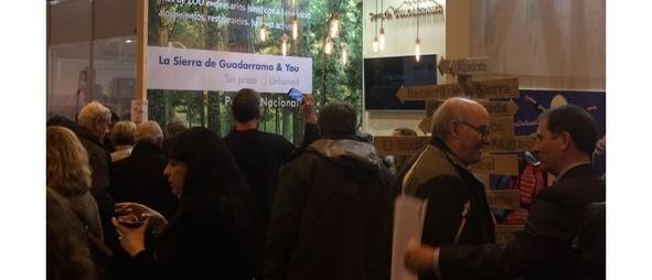 Instalación de nuevas marquesinas de autobuses en Cerceda y El Boalo