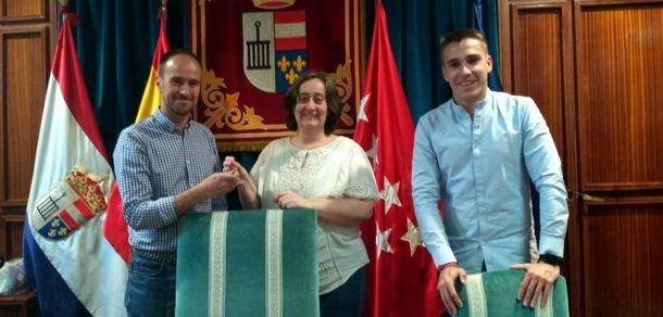 El Ayuntamiento de San Lorenzo entregó a Aldeas SOS las llaves de un local de propiedad municipal