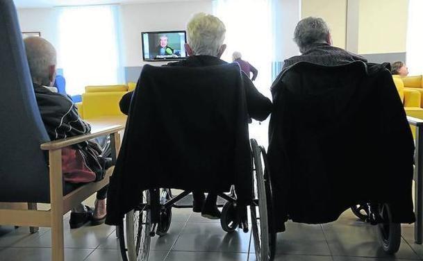 60 ancianos de la 'residencia de los horrores' que la Comunidad de Madrid tiene en Soto del Real se han quedado en la calle.