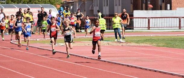 Daniel Hurtado Sinisterra, un niño de 9 años, campeón de la Comunidad de Madrid en 500 metros lisos