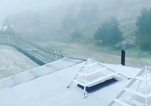 Valdesquí registraba ayer una capa de nieve entre dos y tres centímetros