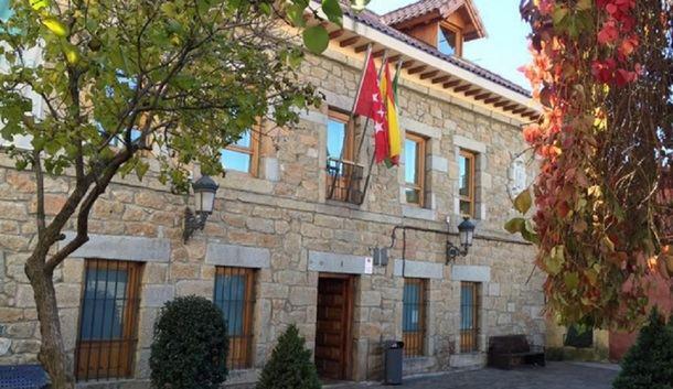 La oposición de Navacerrada impide la subida de sueldo de la Alcaldesa y solicita plenos mensuales