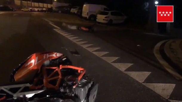 Muere un joven de 24 años tras chocar la moto en la que viajaba con un coche aparcado en Collado Villalba