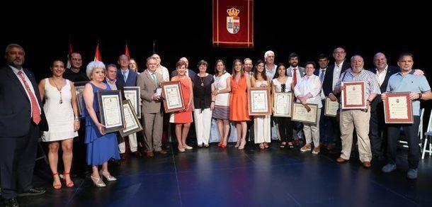 Emotiva celebración del acto de entrega de Honores y Distinciones en San Lorenzo de El Escorial