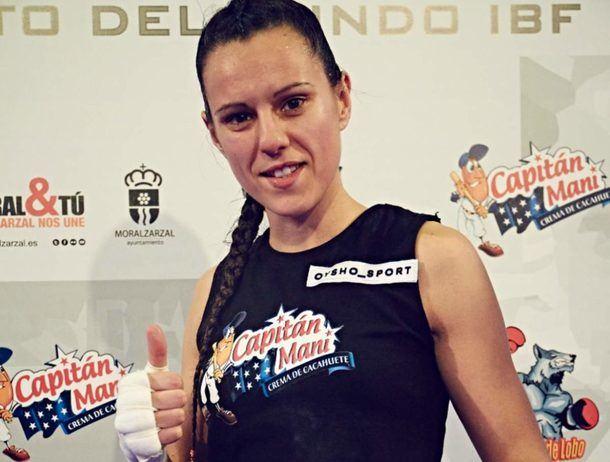 Joana Pastrana, campeona del Mundo de Boxeo IBF, fue la pregonera de las fiestas de Moralzarzal