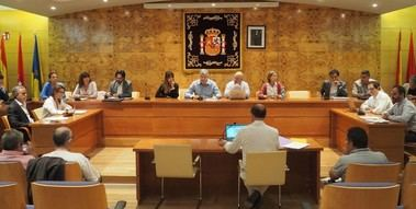 VOX acusa al Ejecutivo de 'Vecinos por Torrelodones' de aplicar el 'rodillo' en los plenos