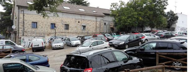 El PSOE de Torrelodones exige a la Comunidad de Madrid que construya el prometido estacionamiento disuasorio para vehículos de la estación de Renfe