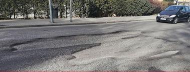 El PSOE de Torrelodones denuncia que los baches de la carretera de Hoyo de Manzanares son cada vez más grandes