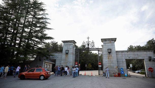 La Asamblea de Madrid apoya reconvertir el Valle de los Caídos con la abstención de Ciudadanos