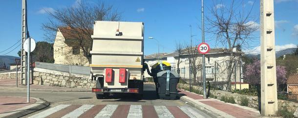 El Ayuntamiento de Collado Villalba firmó ayer con Valoriza el nuevo servicio de recogida de residuos y limpieza viaria