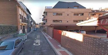 Vecinos de Collado Villalba denuncian su dramática situación tras verse afectados por la 'okupación' de un edificio colindante